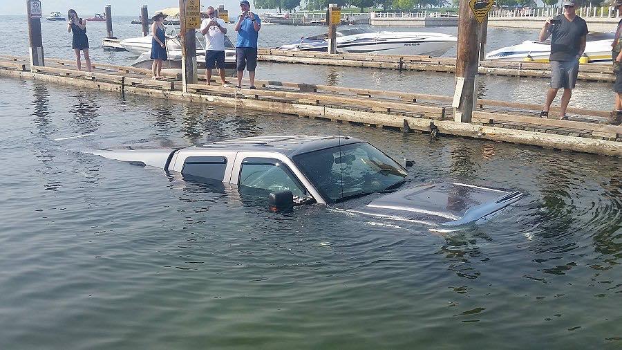 BoatingOops2.jpg