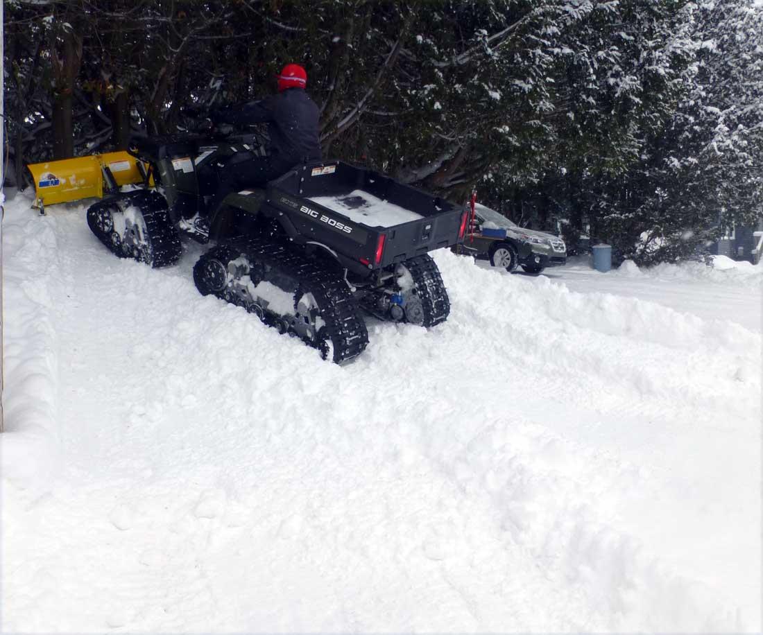 boss pushs snow902.jpg